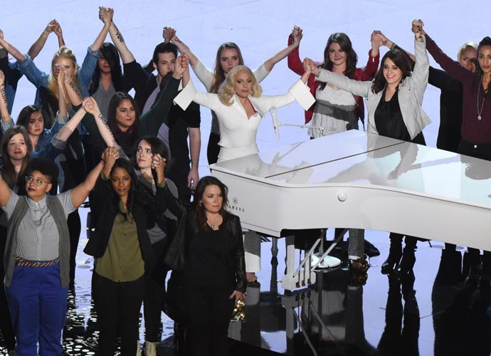 Lady Gaga Shares Photo Of Oscars 2016 Performance With Sexual Assault Survivors