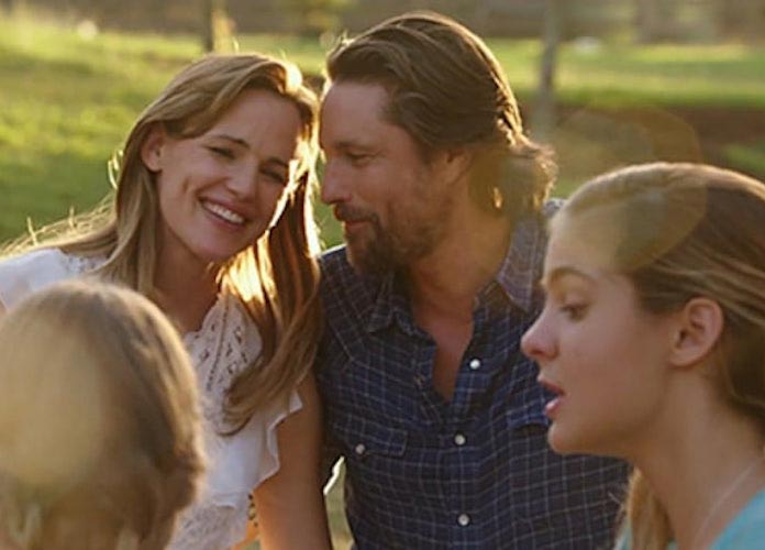 'Miracles From Heaven' Producer Bishop T.D. Jakes: Jennifer Garner Renewed Her Faith After Split [VIDEO EXCLUSIVE]