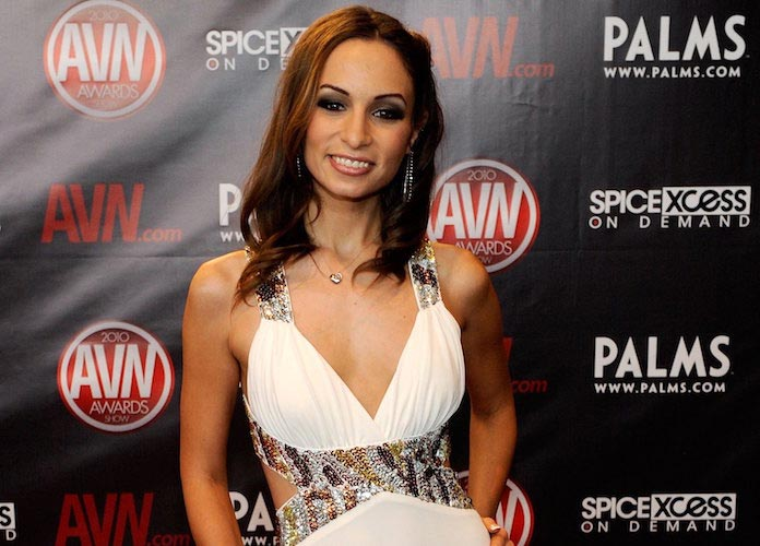 Amber Rayne, Porn Star Who Accused James Deen Of Sexual Assault, Dies At 31