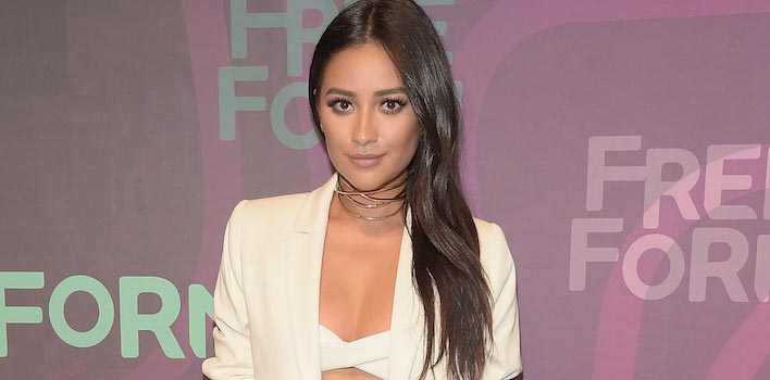 Shay Mitchell, 'Pretty Little Liars' Star, Refuses To Label Her Sexual Orientation