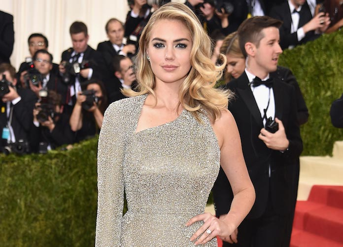 Kate Upton Wows In Topless 'Sports Illustrated' Swimsuit Edition Cover