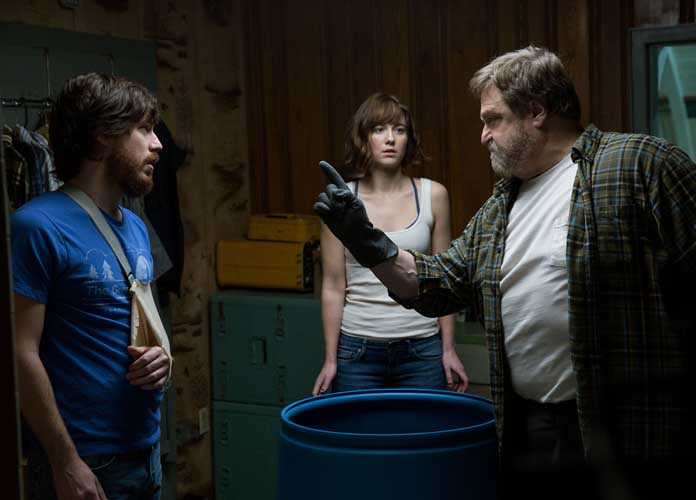 '10 Cloverfield Lane' DVD Review: Falls Flat In Pace of Plot