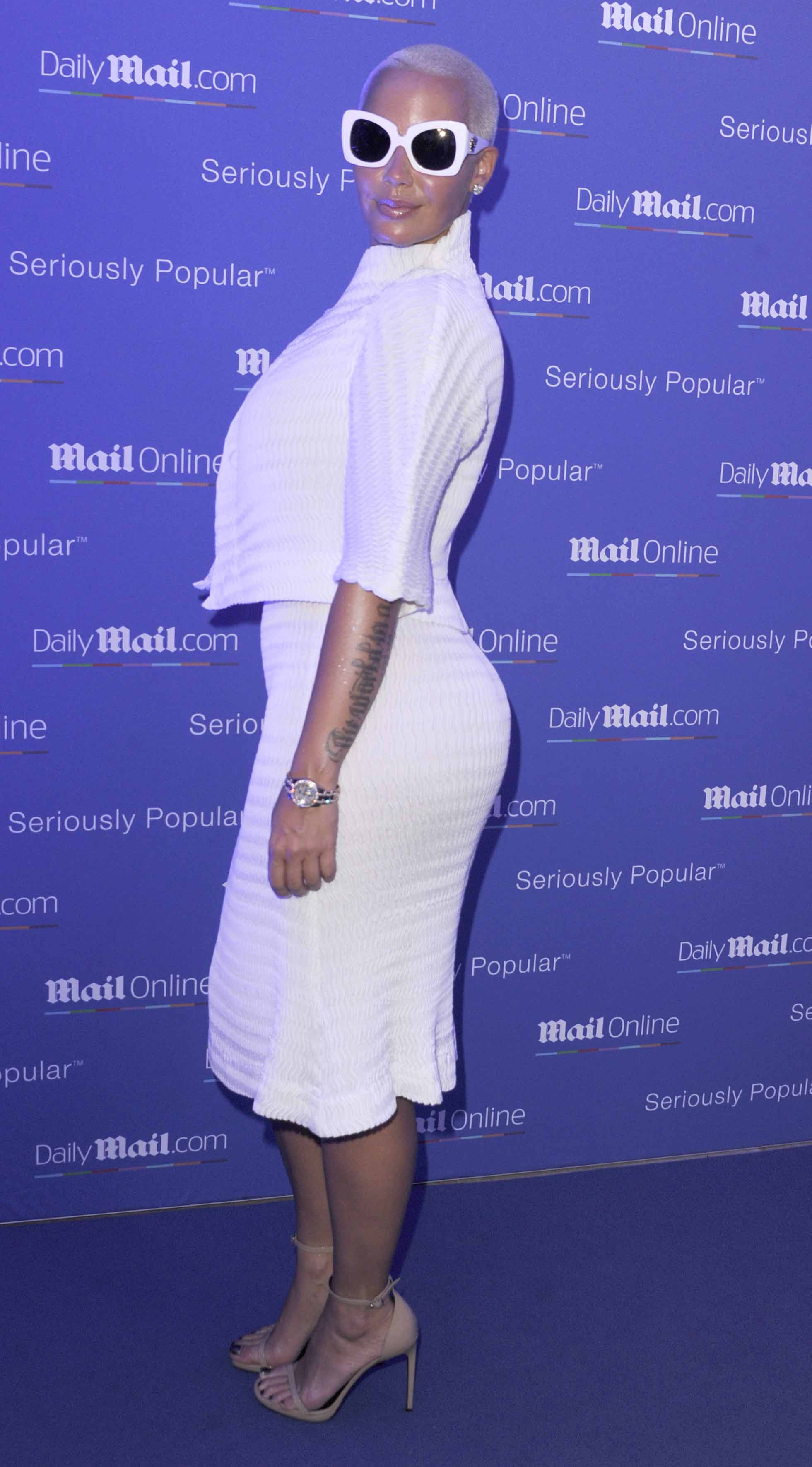 Get The Best Makeup Looks Inspired By Celebs: Get The Look: Amber Rose Slays In Sleek All-White Ensemble