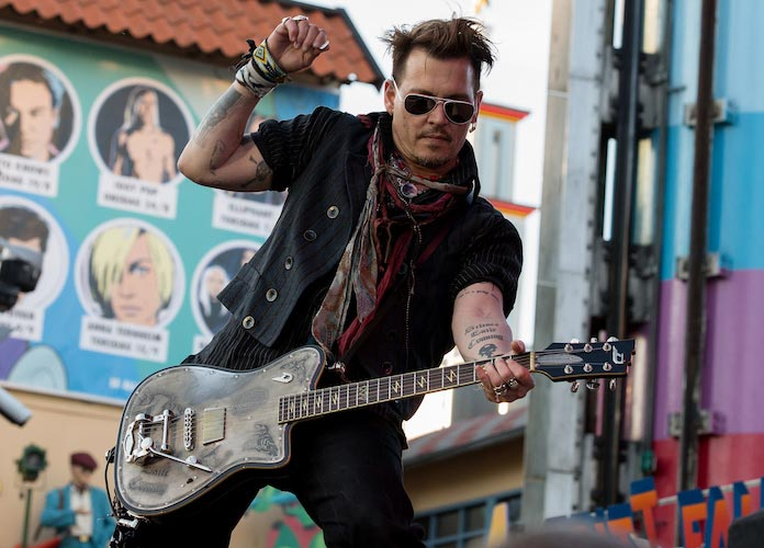Johnny Depp Performs With Hollywood Vampires Amid Amber Heard Divorce, Domestic Abuse Allegations