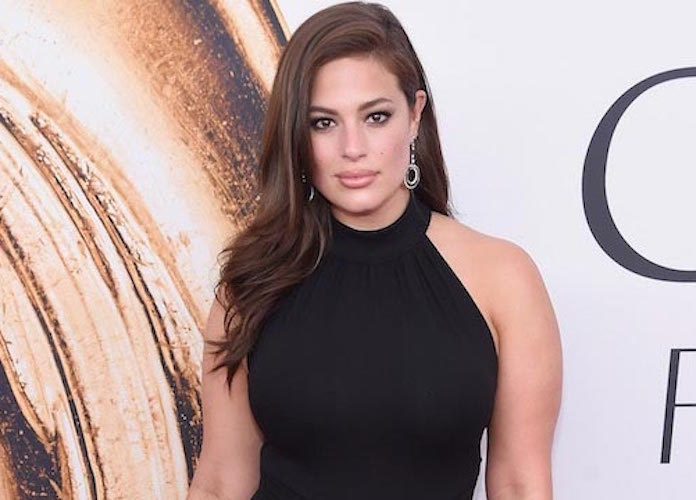 Plus-Size Model Ashley Graham Praised By Followers For Showing Off 'Real' Pregnancy Body [PHOTO]