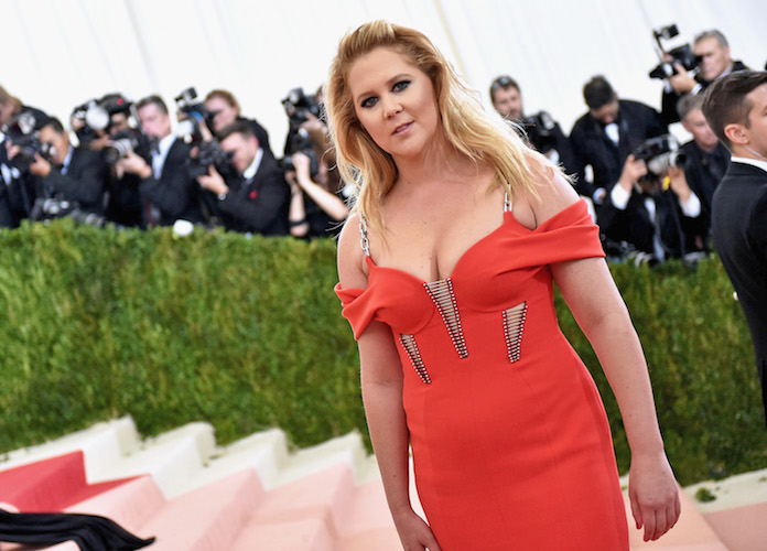 Goldie Hawn & Amy Schumer Nail Their Presenter Skit