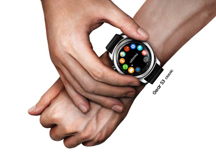 supersized samsung gear 3 offers new smartwatch features in bulkier package   uinterview