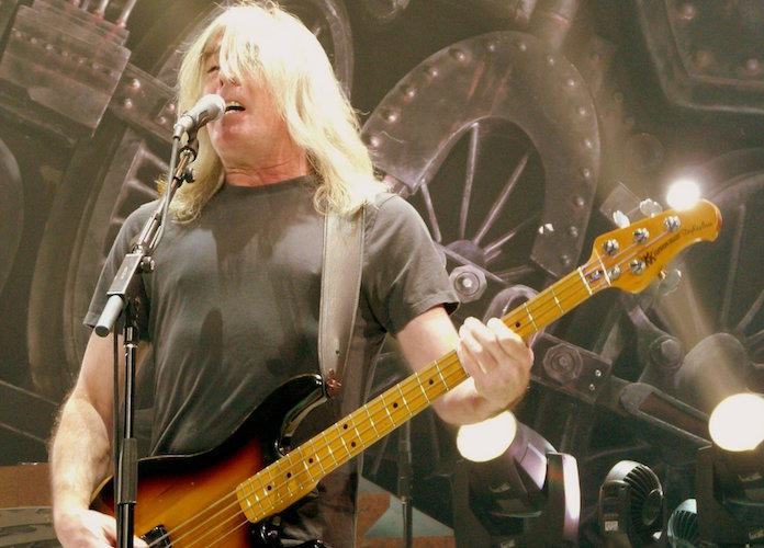 Cliff Williams, AC/DC Bassist, Announces His Retirement From The Band
