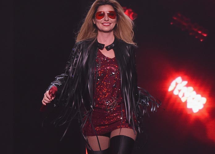 Shania Twain To Be Awarded Artist Of A Lifetime Honor At 2016 CMT Artists Of The Year