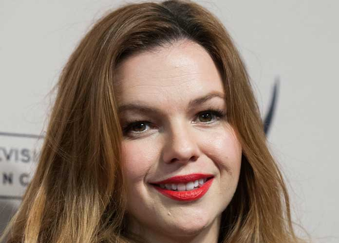Amber Tamblyn Expecting A Baby Girl, Uses Announcement To Show Support For Hillary Clinton