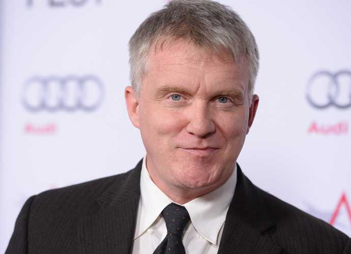 Anthony Michael Hall Apologizes For Yelling At Pool Hotel Guests
