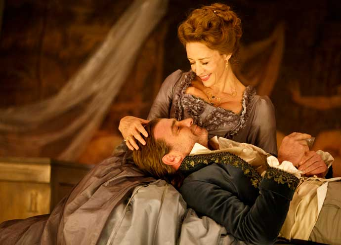 'Les Liaisons Dangereuses' Theater Review: Liev Schreiber Shines In Stellar Sex Drama