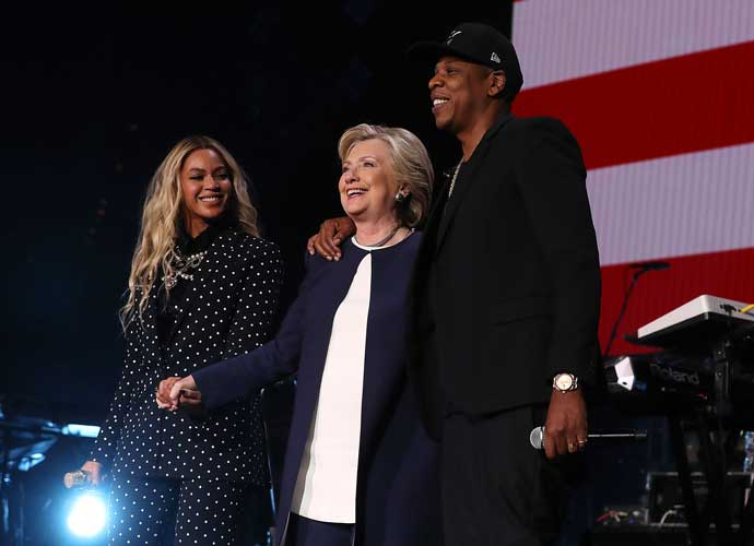 Jay Z And Beyonce Perform In Hillary Clinton Concert In Cleveland [VIDEO]