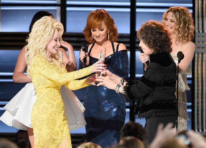 Dolly Parton Honored With Lifetime Achievement Award At CMAs [VIDEO]