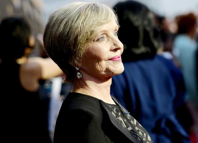 Maureen McCormick And 'Brady Bunch' Stars Pay Tribute To Florence Henderson