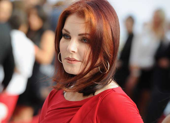 Priscilla Presley Says That Elvis Never Saw Her Without Makeup