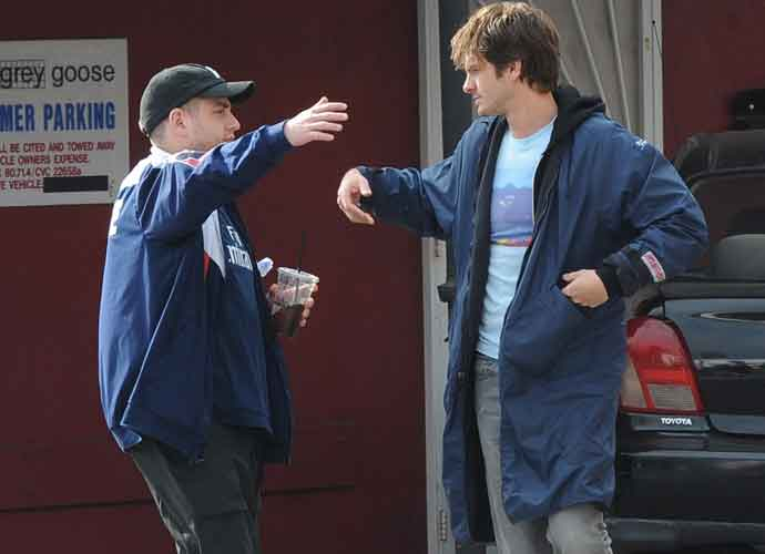 Andrew Garfield & Jonah Hill Laugh And Enjoy Lunch On Set Of 'Under The Silver Lake'
