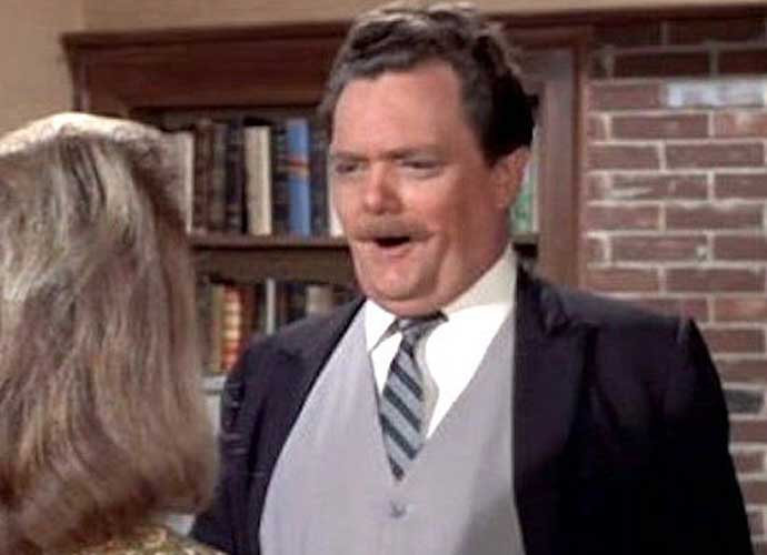 Bernard Fox, 'Bewitched's Dr. Bombay, Dies At 89