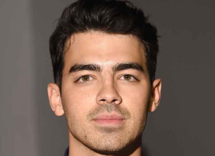 Joe Jonas, New Underwear Model For Guess, Reveals Six Pack In New Photos