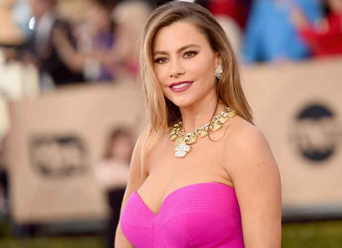 Sofia Vergara Gets Ready For Mardi Gras, Post Pics To Prove It