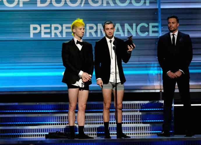 Twenty One Pilots Win Best Pop Duo/Group Performance, Give Speech While Pantsless