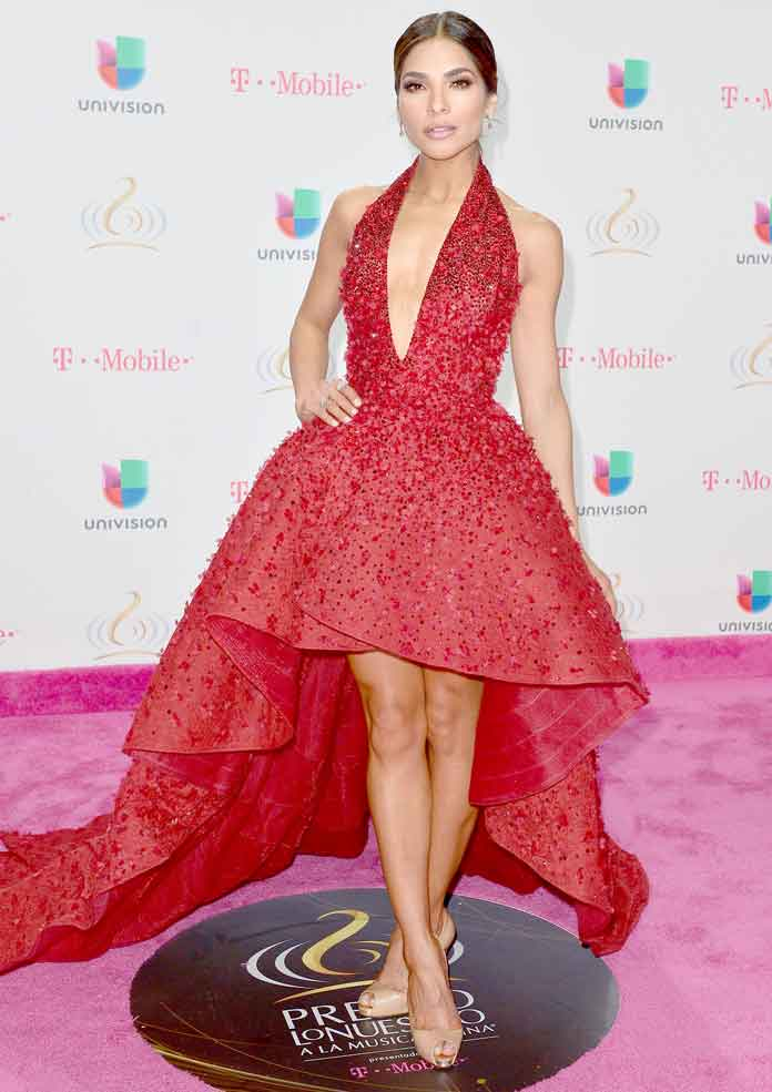 Get The Look: Alejandra Espinoza At Univision's 29th Premio Lo Nuestro A La Musica Latina