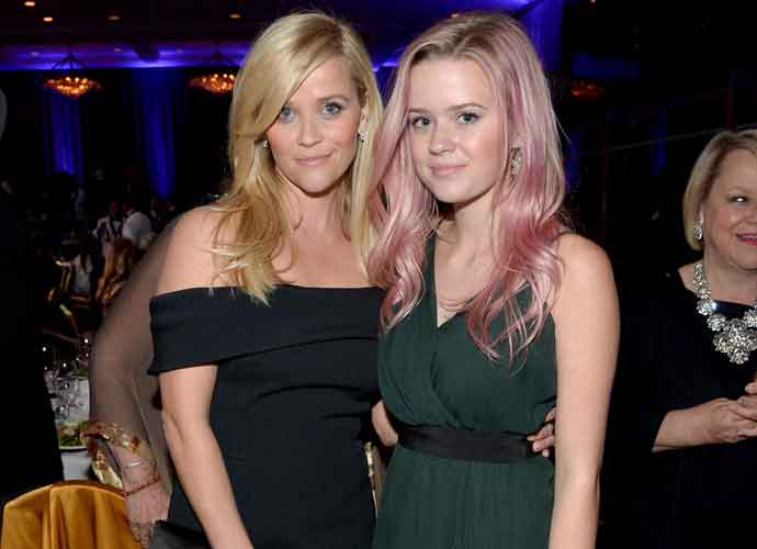Reese Witherspoon Brings Look-A-Like Daughter Ava Phillippe To 'Big Little Lies' Premiere