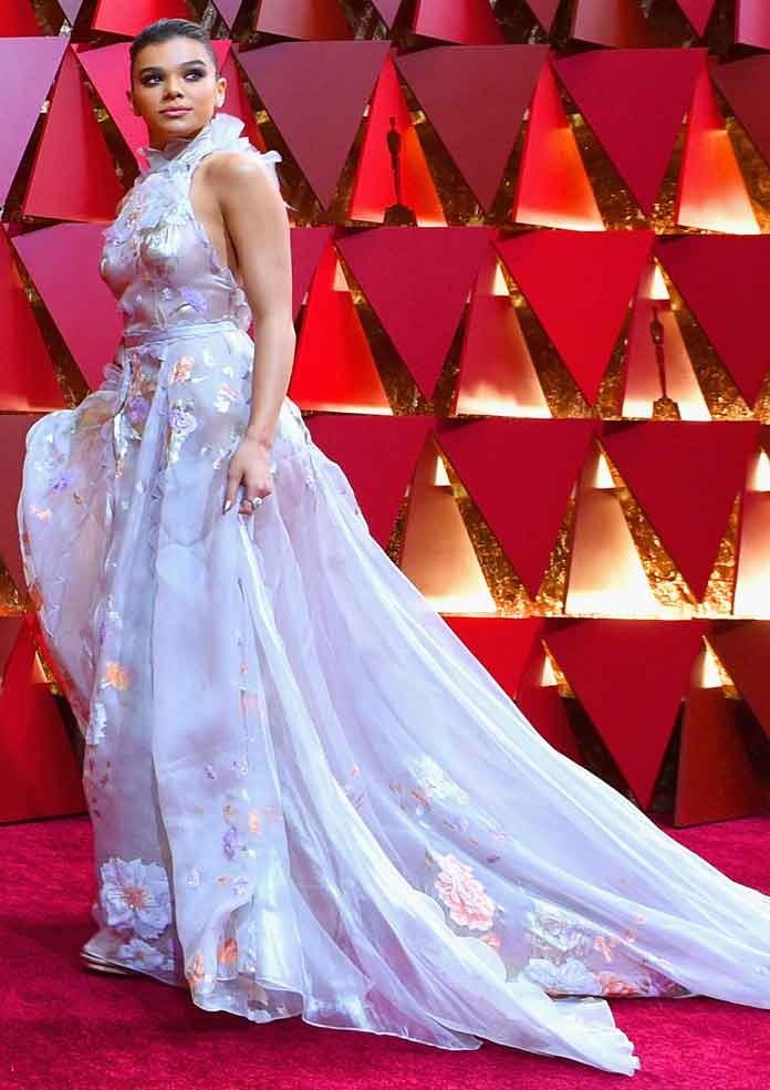 Oscars 2017 Best Dressed: Nicole Kidman, Emma Stone, Hailee Steinfeld & Janelle Monae Among Winners [SLIDESHOW]