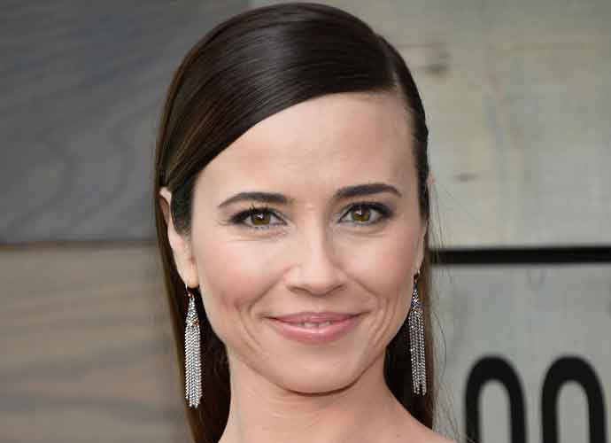 Linda Cardellini Bio: In Her Own Words – Video Exclusive, News, Photos