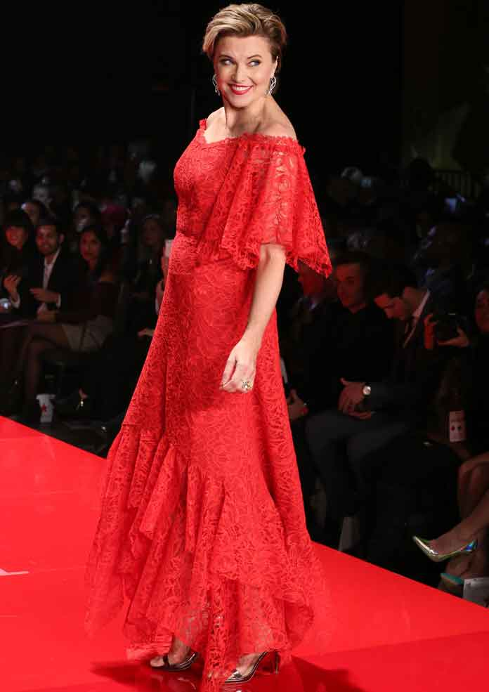 Get The Look: Go Red 2017 Lucy Lawless' Nicole Miller Dress