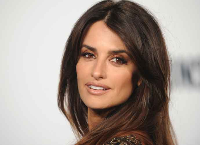 Penelope Cruz To Star As Donatella Versace In 'American Crime Story'