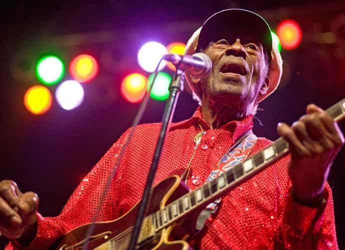 Chuck Berry, Legendary Rocker, Is Dead At 90