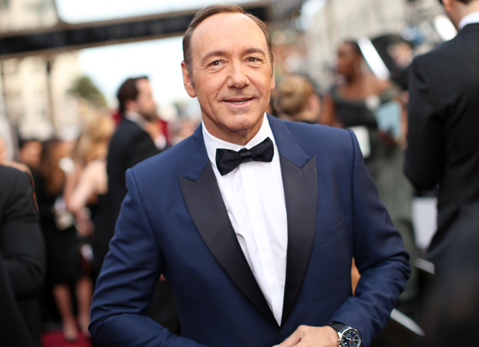 Kevin Spacey Began The 2017 Tonys With A Song & Dance Number