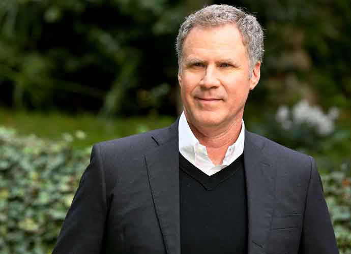"""Will Ferrell Sings """"I Will Always Love You"""" At USC Commencement [VIDEO]"""