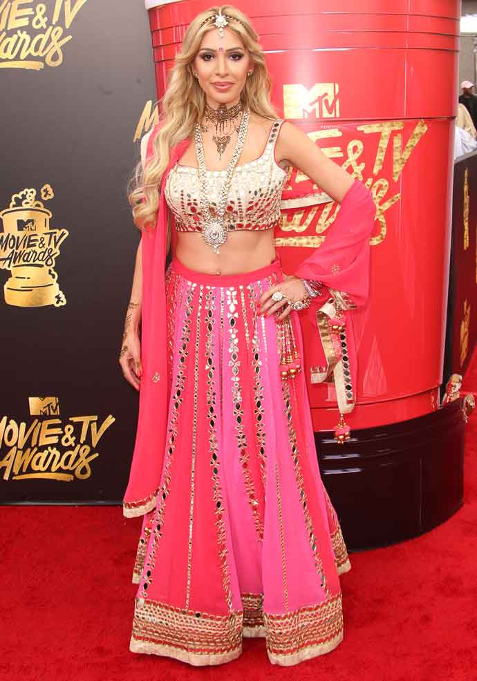 Farrah Abraham Wears Traditional Indian Garb To MTV Movie Awards
