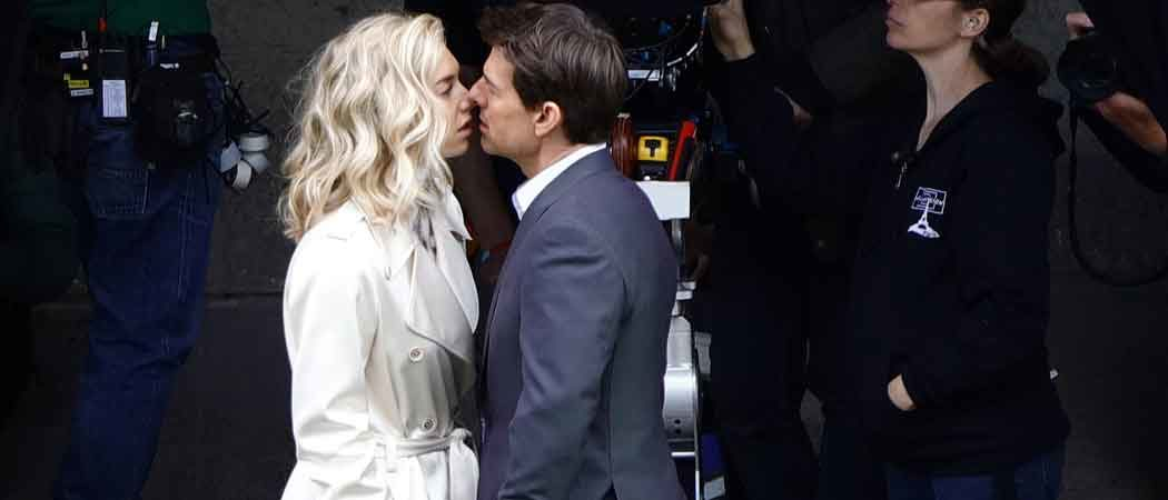 Tom Cruise Kisses Vanessa Kirby On 'Mission Impossible 6' Set