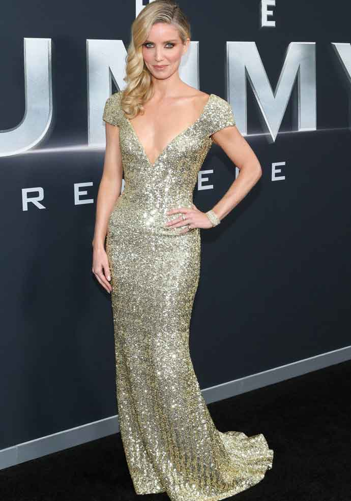 Annabelle Wallis Glitters In Gold At 'The Mummy' New York Premiere