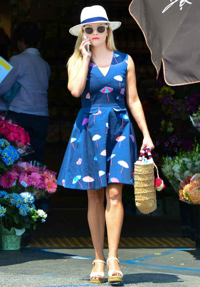 Reese Witherspoon Runs Errands With Son Deacon Phillippe In Draper James Dress
