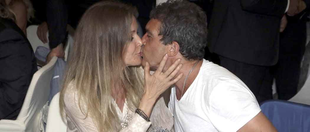 Antonio Banderas & Nicole Kimpel Kiss At The Ischia Global Film & Music Fest