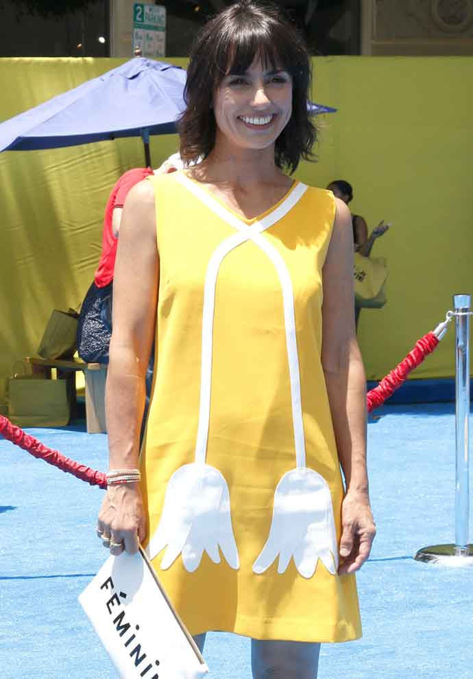 Constance Zimmer Wears Bright Yellow Dress To 'The Emoji Movie' Premiere