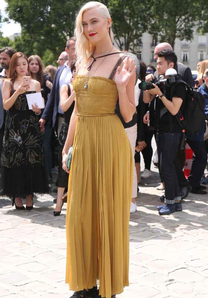 Karlie Kloss Debuts Platinum Hair At Dior Paris Fashion Show