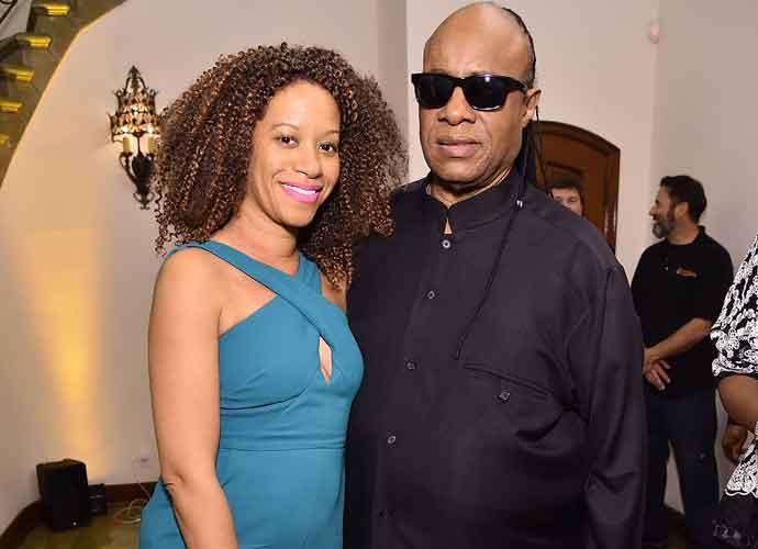 Stevie Wonder Health Update: Singer Postpones Tour For Kidney Transplant