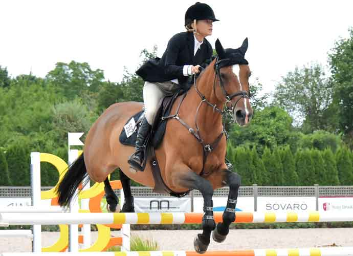 Mary Kate Olsen Shows Skills At Hampton Classic Horse Show