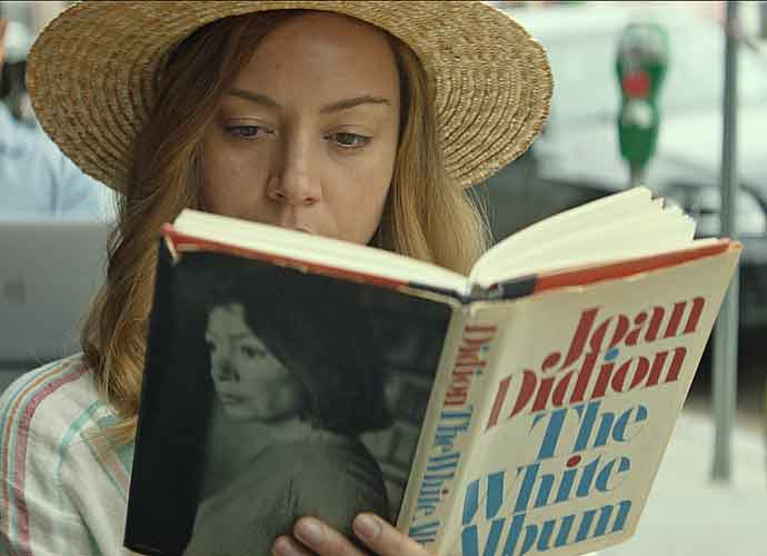 'Ingrid Goes West' Review Roundup: Critics Love Quirky Comedy That Warns Of Social Media Fixations
