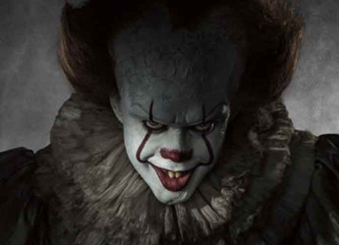 'It' Movie Review Roundup: Stephen King's Demonic Clown Film Better Than The Original