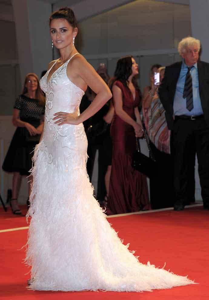 Penelope Cruz Looks Classic In White Versace At 'Loving Pablo' Venice Premiere