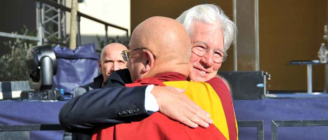 Richard Gere Accompanies The Dalai Lama To Greet The Public In Pisa