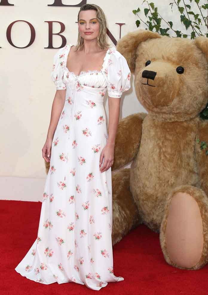 GET THE LOOK: Margot Robbie In White At 'Goodbye Christopher Robin' Premiere