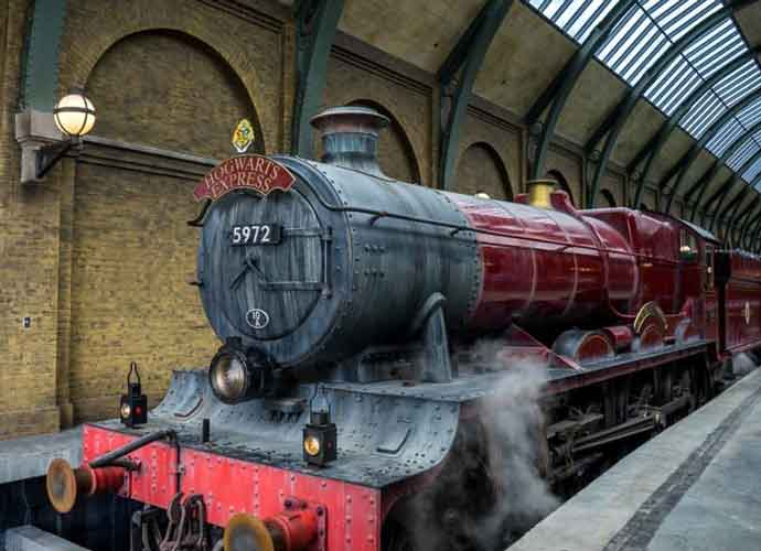 Stranded Family In Scotland Rescued By Hogwarts Express