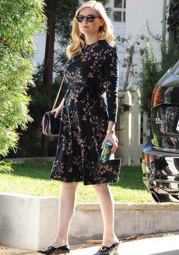 Kirsten Dunst Shows Off Baby Bump; Actress Reportedly Expecting Child With Fiance Jesse Plemons